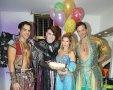 """עדי הימלבלוי חגגה יום הולדת 33 יחד עם קאסט השחקנים """"אלאדין והנסיכה יסמין"""""""