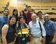 עובדי סורוקה עם הצוות המנצח | צילום: מכללת סמי שמעון